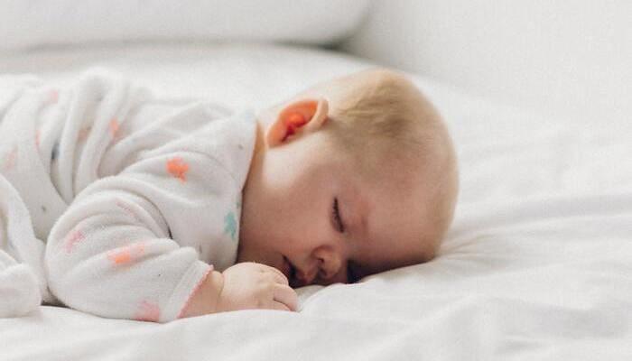 cuántas horas dormir bebe